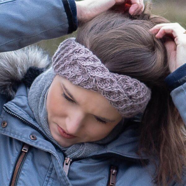 knitted daisy headband adult - strikket daisy pandebånd voksen dk
